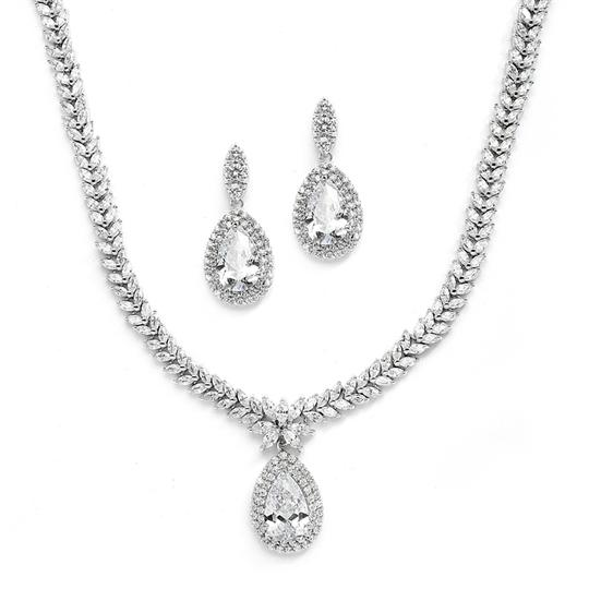 Preload https://img-static.tradesy.com/item/1137875/silverrhodium-stunning-pear-drop-marquis-crystal-jewelry-set-0-0-540-540.jpg