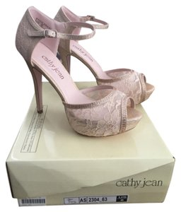 bea5f11c0e22 Women s Cathy Jean Shoes - Up to 90% off at Tradesy