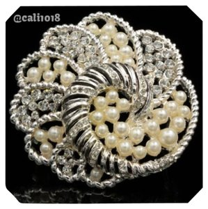 Other Gorgeous Faux Pearl Brooch