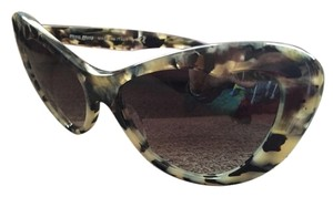 Miu Miu 100% Authentic Cat-eye Heart Miu Miu sunglasses in grey leopard