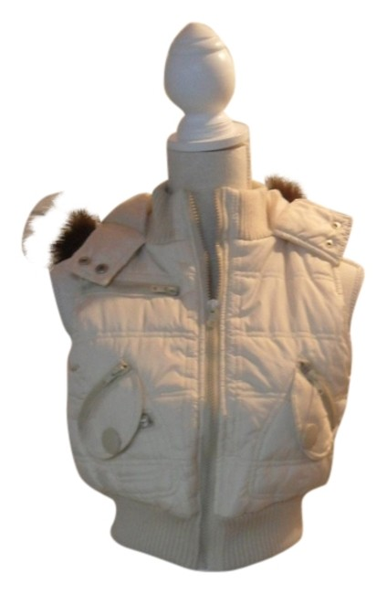 Preload https://item2.tradesy.com/images/taxi-cream-vest-size-6-s-1138406-0-0.jpg?width=400&height=650