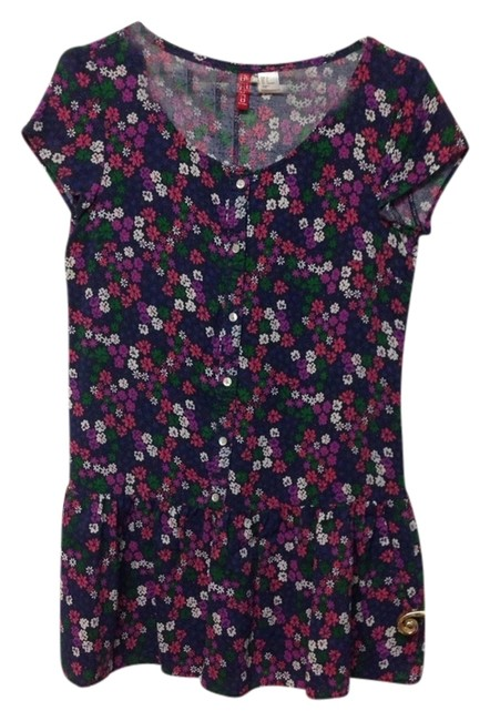 Preload https://img-static.tradesy.com/item/1138598/h-and-m-floral-summer-tunic-size-6-s-0-0-650-650.jpg