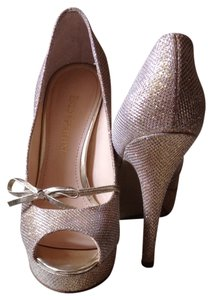 Enzo Angiolini Gold Pumps