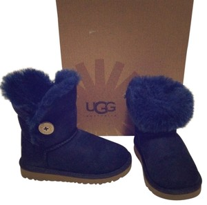 d9cffb95a67 Blue UGG Australia Boots & Booties Chunky Up to 90% off at Tradesy