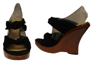 Alexandra Neel black Wedges