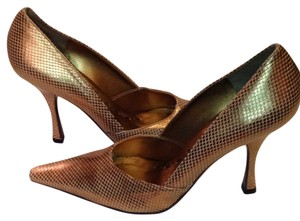 BCBGeneration Gold Pointed Toe Square Toe Comfortable Never Worn Never-worn Pumps