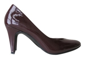 Merona Burgundy Pumps