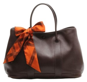 Hermès Leather Constance Garden Luxe Prada Gucci Brown Swift Twilly Scarf Chocolate Lambskin Tote in Chocolate Brown