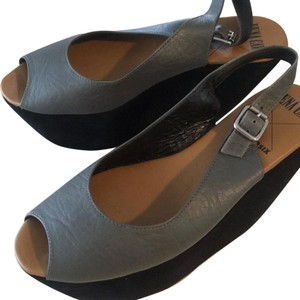 Vena Cava Black and gray Wedges