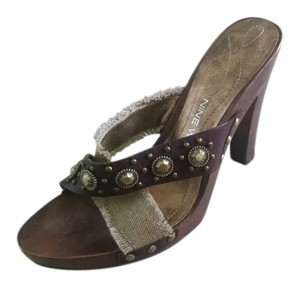 Nine West Wood Studded brown/beige Sandals