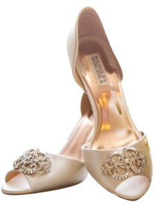Badgley Mischka Wedding Peep Toe Satin Dorsay D'orsay Heel Comfortable Bride Bridal 3 8 Sparkle Rhinestone Diamond White Light I Do Ivory Pumps
