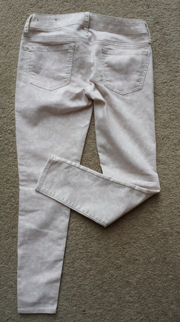 American Eagle Outfitters Levis Skinny Pants Pink and White