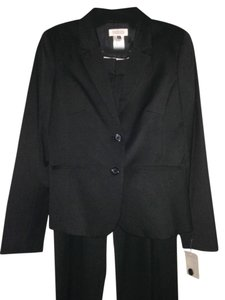 Barneys New York Barneys New York Black Suit Jacket (6) & Pants (8)