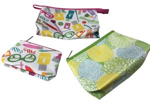 Clinique Three NWOT Clinque cosmetic bags (various sizes, perfect gifts)