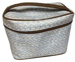 Estée Lauder Nice size travel overnight cosmetic bag with gorgeous tortoise shell zippers and top handle. Satin lined.