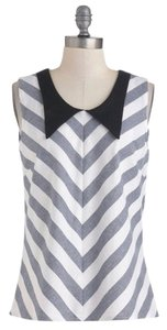 Modcloth Chevron Collar Large Top