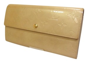 Louis Vuitton Authentic Louis Vuitton Vernis Long Wallet Beige Enamel Leather
