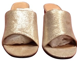 Lord & Taylor Cream Flash/Gold Mules