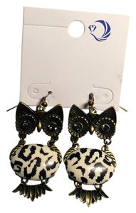 Other New Large Long Dangle Owl Earrings Antiqued Gold White Black J1913