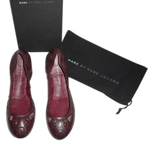 Marc by Marc Jacobs Mouse Design Elastic Collar Dark Brown Flats