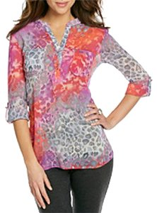 New York & Company Sheer Two Chest Pockets Allover Print Splitneck Top Multi