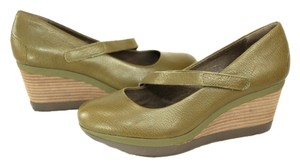 Tsubo Olive Green Wedges