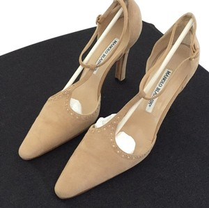 Manolo Blahnik Tan Pumps