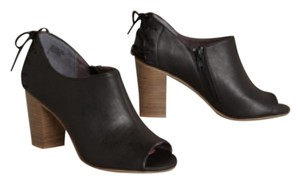 Anthropologie Blac Pumps