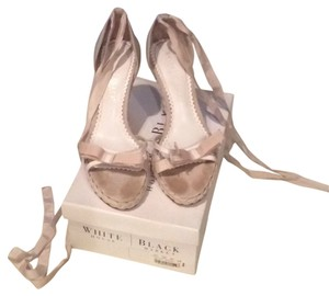 White House | Black Market White/Tan Wedges