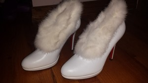 White Leather Winter Fur Boots/Booties Size US 7