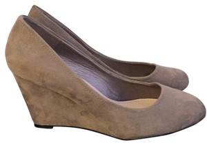 Dorothy Perkins Taupe Pumps