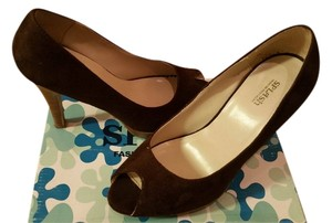 Splash Brown Suede Pumps