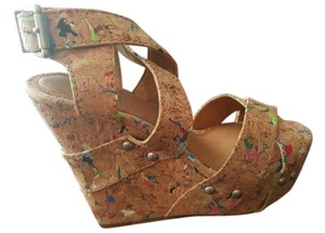 Gianni Bini Leather Platform Wedge tan cork with speckle of colors Wedges
