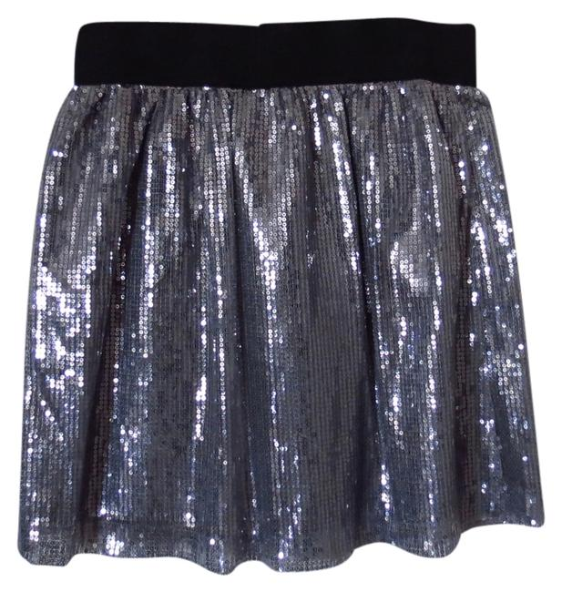 Preload https://img-static.tradesy.com/item/1145629/romeo-and-juliet-couture-silver-miniskirt-size-4-s-27-0-0-650-650.jpg