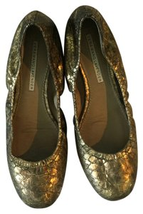 Vera Wang Lavender Label Metallic Gold Flats
