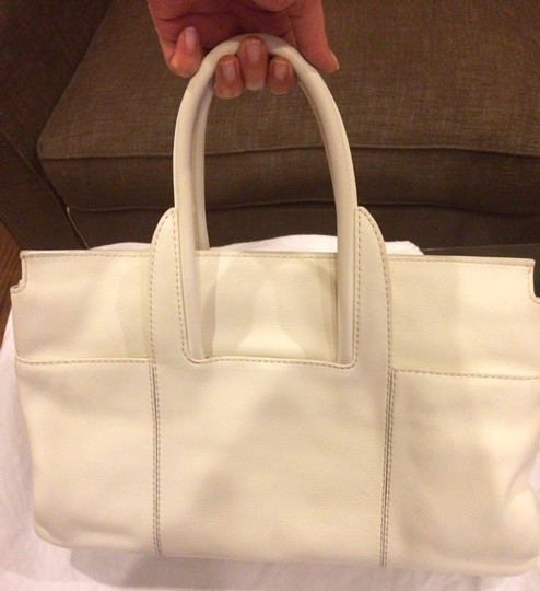 Salvatore Ferragamo Leather Large Designer Tote Work Neverfull Louis Vuitton Gucci Guccissima Prada Chanel Valentino Michael Kors Tory Satchel in White