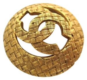 Chanel Chanel Vintage CC Gold Tone Textured Round Pin Brooch In Box