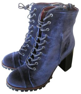 Report Signature Lace-up Velvet Blue, Navy Boots
