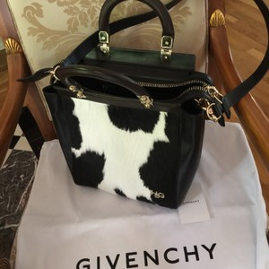 Givenchy Neverfull Celine Luggage Trapeze Crossbody 2jours Tote in Black white pony hair