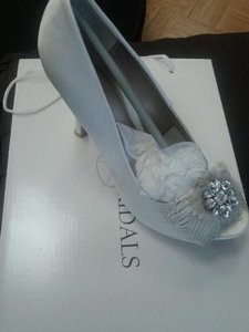 Allure Bridals Feather Shoes Wedding Shoes Ivory Shoes Open Toe Shoe Pumps Classic Shoes Wedding Shoes