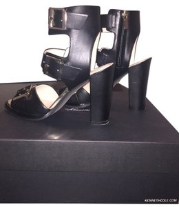 Kenneth Cole Chunky Heel Gold Buckles Excellent Condition Triple Buckle Comfortable Heels Black/Gold Sandals