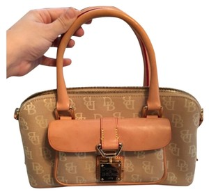Dooney & Bourke Satchel in Beige