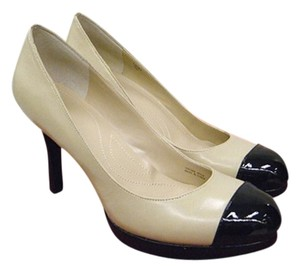 Tahari Spectator Black nude Pumps