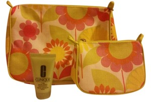 Clinique New Clinique cosmetic bags with 7 Day Scrub Cream