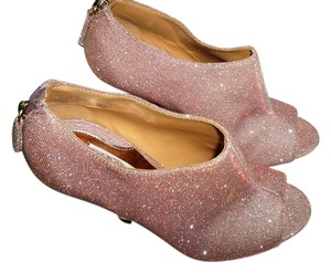 Badgley Mischka Pink Mysti Shimmer Pumps