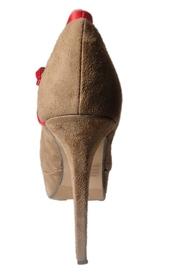 Two Lips 2 Bow Beige and Red Pumps