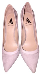 Ava & Aiden Beige Pumps