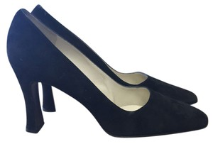 Martinez Valero Black suede Pumps