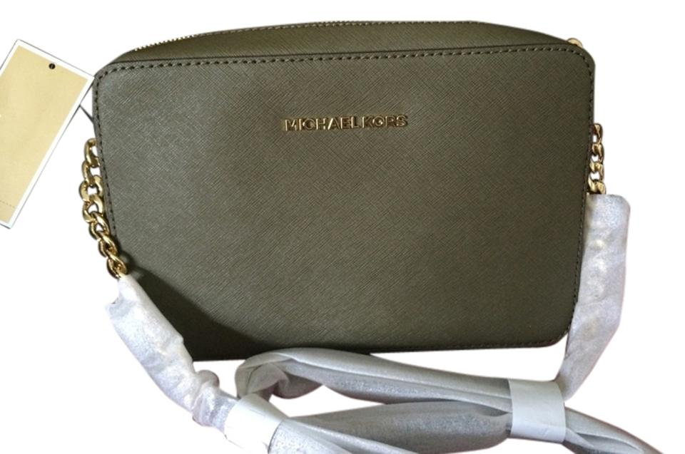 0a3f3f98dc Michael Kors Jet Set Hard To Find Color Soft Green - Olive Saffiano Leather  Cross Body Bag