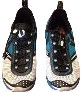 Pearl Izumi White And Blue Athletic